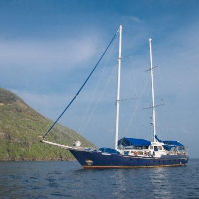 BEAGLE 12 - Ecuador & Galapagos Tours
