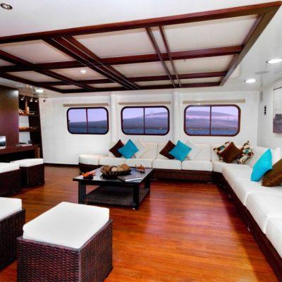 CORMORANT 8 - Ecuador & Galapagos Tours