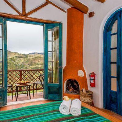 COTOPAXI QUILOTOA LOOP HIKE PROGRAM 15 - Ecuador & Galapagos Tours