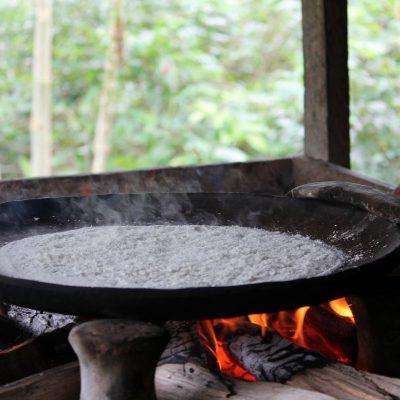 CUYABENO JUNGLE TOUR Community - Bread pan - Ecuador & Galapagos Tours