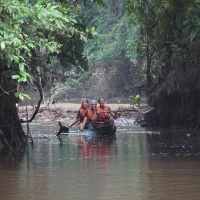 CUYABENO JUNGLE TOUR Surroundings - Paddle canoe - Ecuador & Galapagos Tours