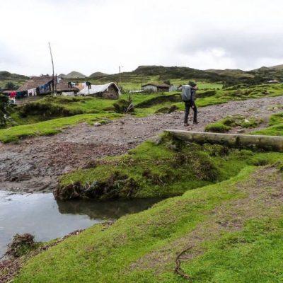 PINAN HIKE PROGRAM 4 - Ecuador & Galapagos Tours