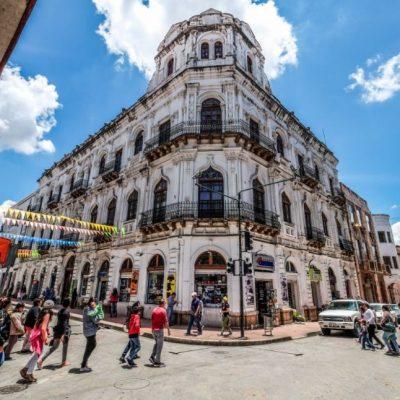 ROUND TRIP 44 - Ecuador & Galapagos Tours
