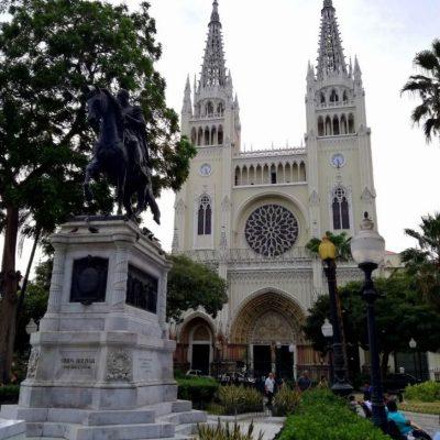 ROUND TRIP 50 - Ecuador & Galapagos Tours