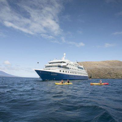 SANTA CRUZ II 13 - Ecuador & Galapagos Tours
