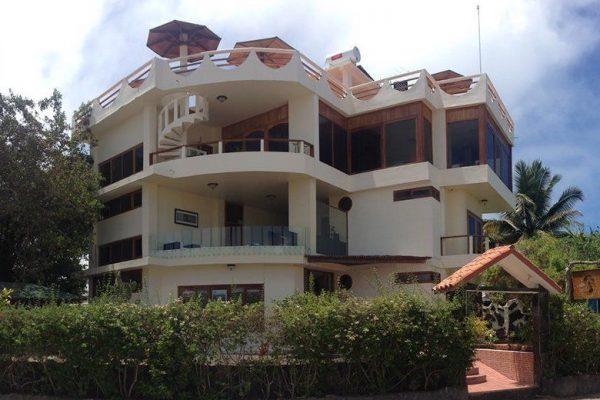 Hotel La Laguna - Isabela