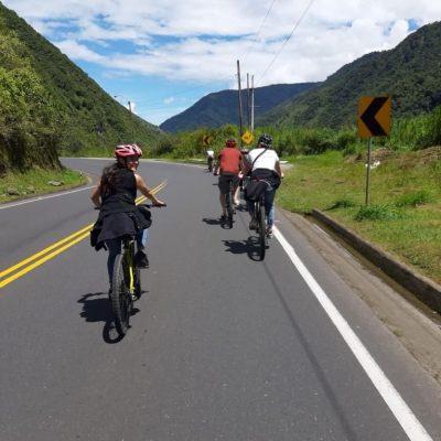 WHY BAÑOS A MUST VISIT IS WHEN TRAVELING TO ECUADOR Baños-de-agua-santa-bike-ride-mountains-adoreecuador - Ecuador & Galapagos Tours