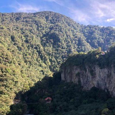WHY BAÑOS A MUST VISIT IS WHEN TRAVELING TO ECUADOR Baños-de-agua-santa-mountains-tungurahua-vulcano-adoreecuador - Ecuador & Galapagos Tours