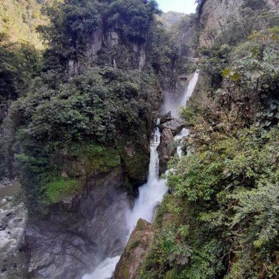 WHY BAÑOS A MUST VISIT IS WHEN TRAVELING TO ECUADOR Baños-pailón-del-diablo-cascada-waterfall-adoreecuador - Ecuador & Galapagos Tours