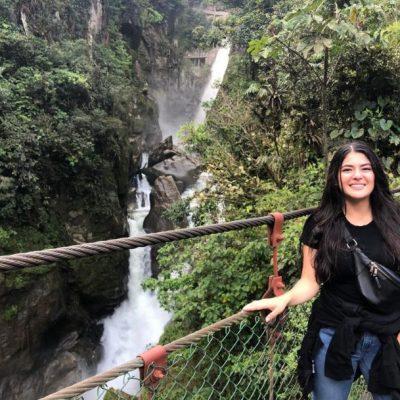 WHY BAÑOS A MUST VISIT IS WHEN TRAVELING TO ECUADOR Baños-pailón-del-diablo-waterfall-cascada-adoreecuador-selfie - Ecuador & Galapagos Tours